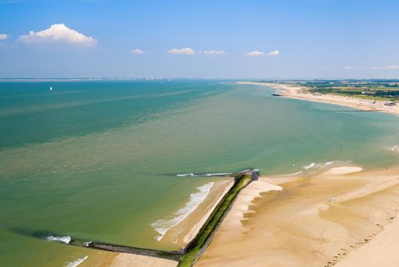 Luchtfoto strand en zee | Beach Resort Nieuwvliet-Bad
